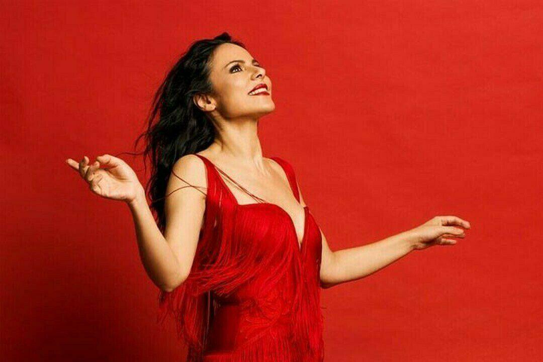 Şenay Lambaoğlu Akustik Şarkılar   Uğur Mumcu Sahnesi